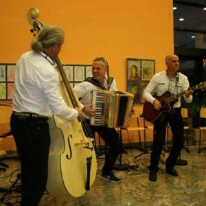 muzikanti skupina objem