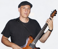 Tugomir Androja - Kitarist, Vodja skupine Objem